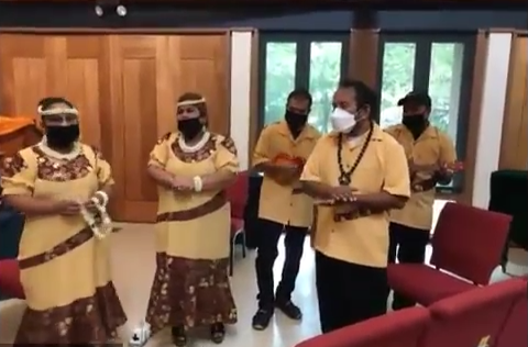 Marshallese singers in UUFF sanctuary singing thanks
